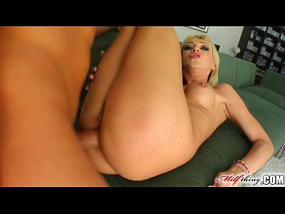 Milf Thing mature babe does anal