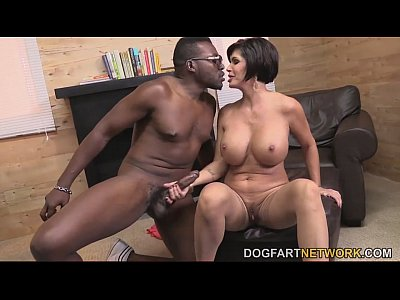 Milf Bigdick Monstercock video: Shay Fox Comforts A Black Guy By Having Sex With Him