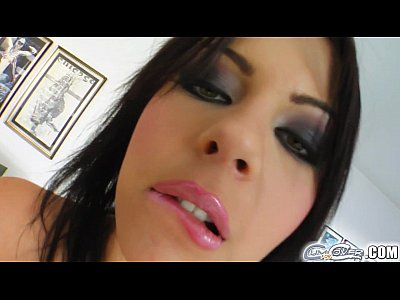 Blow Blowbang Blowjob video: Cum For Cover big tit babe sucks four guys