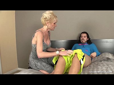 Milf Mature Sucking video: Mature Slut Sucks A Young Guy's Boner