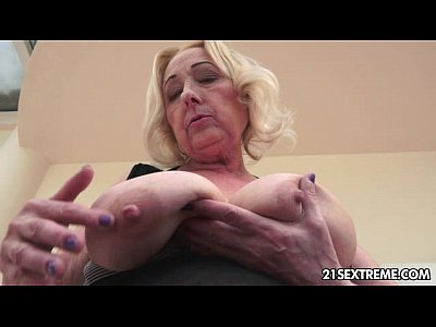 Bigtits Blonde Blowjob video: Granny Cool