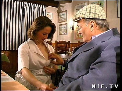 Amateur French porno: french brunette fucked in threesome in a restaurant with Papy Voyeur