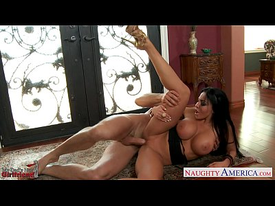 Blowjob Pornstar Brunette video: Chesty brunette girlfriend Audrey Bitoni fucking