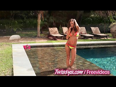 Masturbation Teen video: Twistys - Girls masturbate by the pool