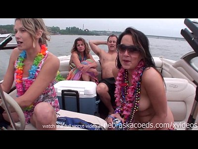 Exgirlfriend Firsttime Flashing video: home video hot girls partying on a lake in missouri