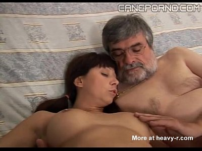 Dad Daughter Family video: Italian dad fucks young daughter