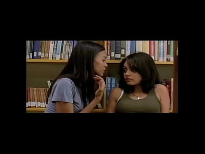 Black Kissing Kunis video: Mila Kunis and Natalie Portman Sexy Scenes - Lesbian Kissing