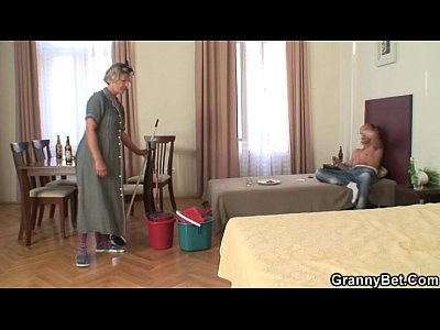 Mature Granny Wife video: Cleaning woman rides his horny dick
