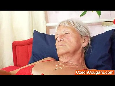 Masturbation Mature Granny video: Unlovely gramma Cecilie toys her haired muff