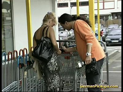 German Amateur Public video: German lady is picked up at store