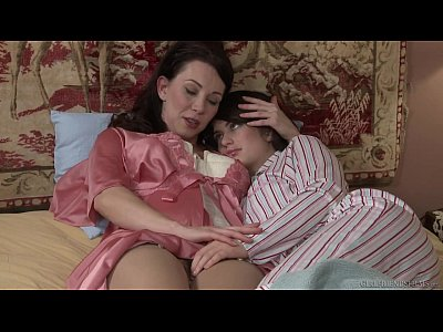 Lesbians Fingering movie: Mommy and Daughter Fingerfuck - Ashlyn Rae, RayVeness