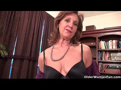 Mature Pantyhose Granny video: Mature mom unleashes her naughty side