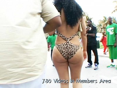 Black Booty Butts video: Big Butt Voyeur, Big Ass Voyeur - 100 Sexy Girls