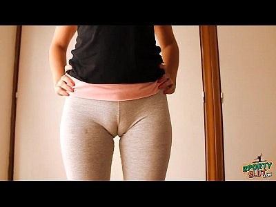 Teen Gym movie: Big Cameltoe Teen In Yoga Pants, Stretching and Working Out!