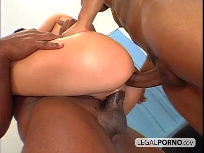 Doublepenetration vid: Two black cocks fucking two hot babes PP-1-03