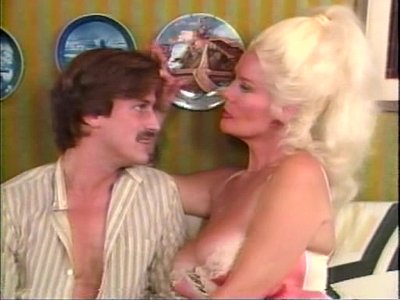 Amateur Group Sex video: The Idol (1985)