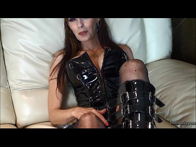 Boots Dildo Fay video: Hot MILF Pegging Her Man & Facial!!