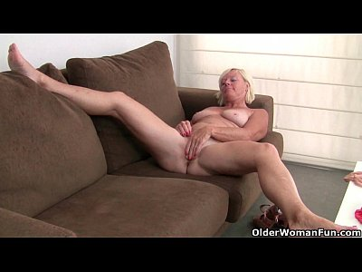 Stockings Milf porno: Belgium grandma loves masturbating in pantyhose