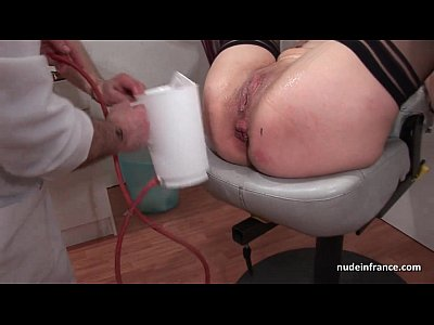 Amateur Squirting French video: French squirt redhead ass inspected doublefist fucked at the gyneco