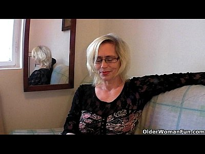 Stockings Milf Mature video: Slutty grandma in stockings fists her hairy cunt