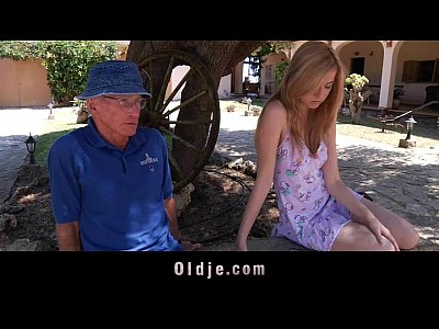 Babe Beauty Blonde video: Old therapist got banged by his young pacient