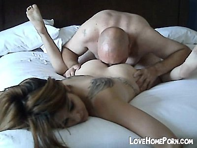 Couple Teen xxx: Her pussy gets eaten out and fucked