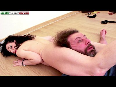 Italian Bdsm porno: Another Good Job - Ass Licking and Headscissor