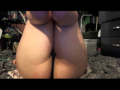 Foot Fetish Chubby video: Chubby Goddess and her feet