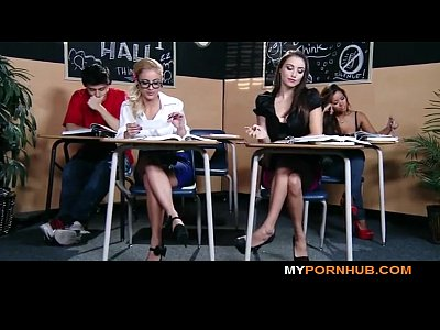Blow Blowjob Boobs video: BRAZZERS - STUNNING BRUNETTE SCHOOLGIRL SEDUCES HER HOT BLONDE CLASSMATE