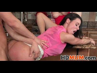 Teen Blowjob xxx: Hot Mums lustful eyes