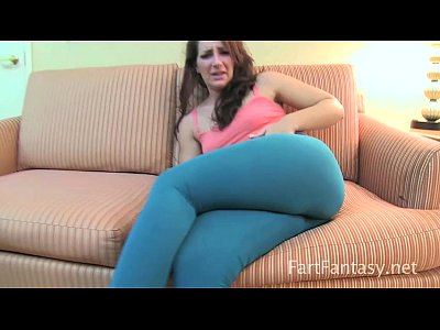 Bigbutt Bigass Booty video: Savannah Fox Farting Stinks Up Yoga Pants