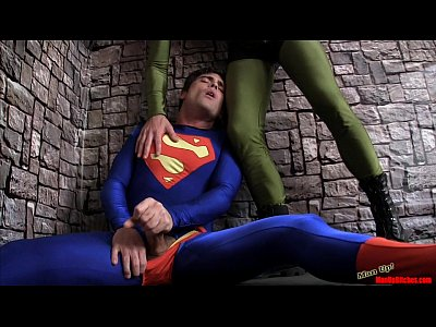 Porno video: Superman Submits 2 CBT HANDJOB LYCRA SPANDEX