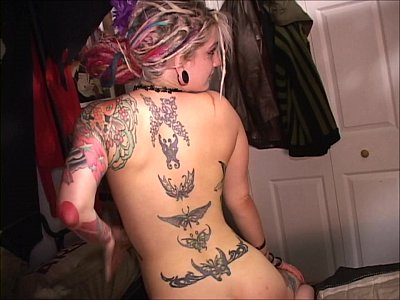 Amateur Anal Blondes video: Scarlett plucks Lotus brows painfully Cunt and ass fucks her painfully too