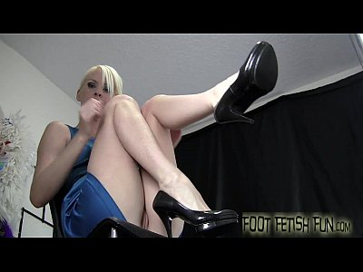 Femdom Footfetish Footfetish video: Lick my cute little toes and smell my feet