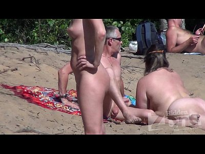 voyeur blowjob on a nudist beach