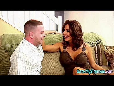Babe Cougar Stepmom video: amazing hot stepmom Tiana