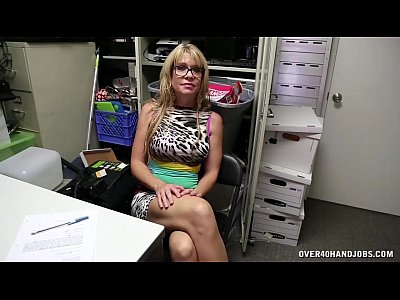 Handjobs Blonde movie: Sexy step-mom handjob