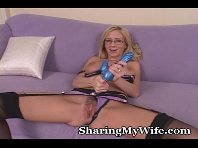 Dildo Fingering Heels video: New Purchase From The Store