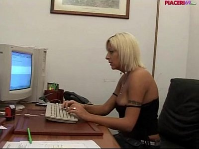 Blonde Office Secretary video: Italian blonde secretary masturbating in the office - italian porn