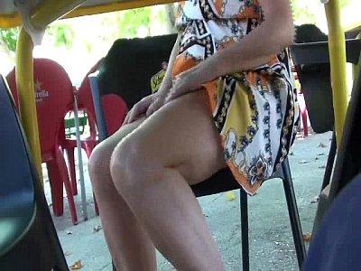 Cleo video: Public Upskir in the cafe.WMV