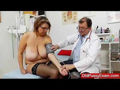 Hospital Uniform Nurse video: Drahuse gyno flick examination