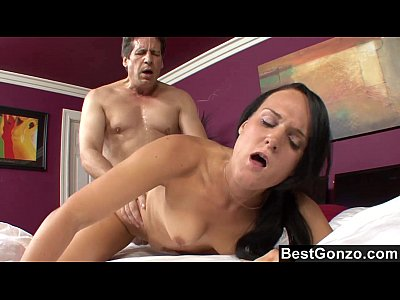Blowjob Bobbibrixton Brunette video: She's Not Good At Cleaning But Damn She Can Suck