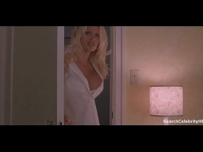 Pamela Anderson in Scary Movie 3 (2003)