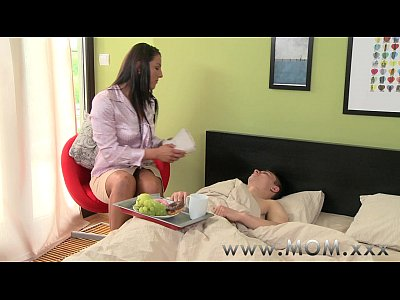 Couple Femalefriendly Foreplay video: MOM Brunette fucks her poorly lover