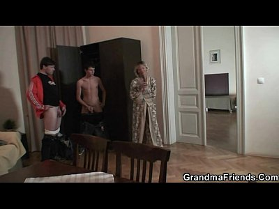 Granny Housewife Mature video: Hottest 3some with mature woman