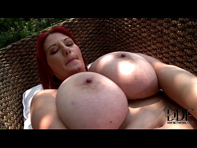 Babes Tits video: Vanessa Mammary Perfection