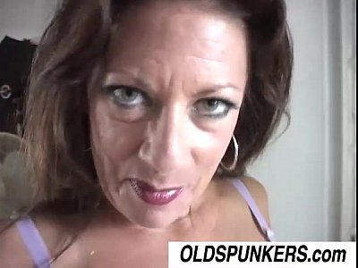 Margo is a sexy mature babe who loves to fuck