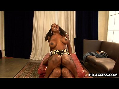 Ebony slut Kelly Starr gets screwed rough