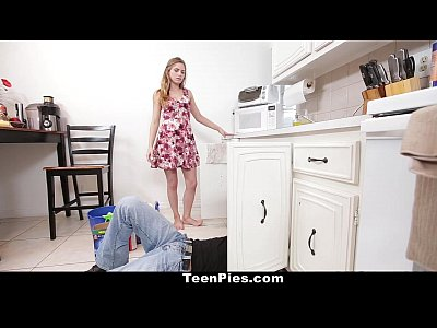 Shaved Kitchen Cumshot vid: TeenPies - Plumber fills up Sydney Cole's Pussy