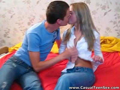 Amateur Blonde Blowjob video: Casual Teen Sex - Sex to forget the ex